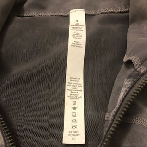 lululemon athletica Jackets & Coats - Lululemon nulu jacket! Gray diamond dye color!!